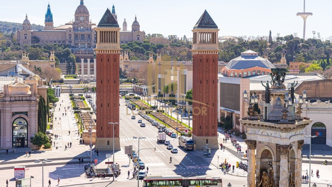 RENOVATED RESIDENTIAL BUILDING in BARCELONA