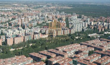 Complete building multiple uses in Madrid
